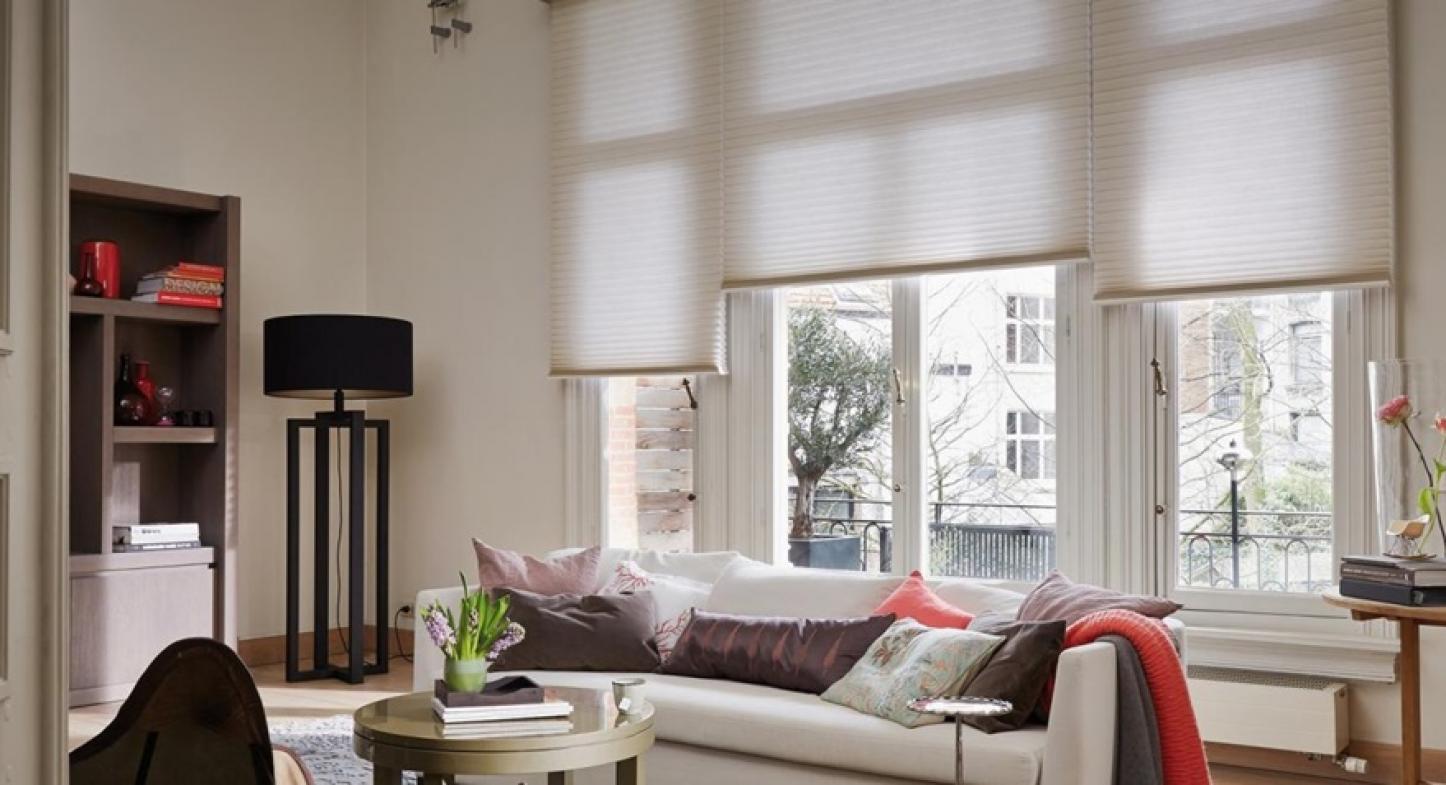 Tecnologia e sofisticação nas cortinas para sala de jantar