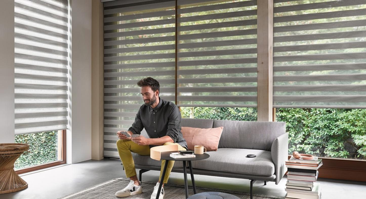Tecnologia PowerView®: acione as cortinas usando dispositivos móveis
